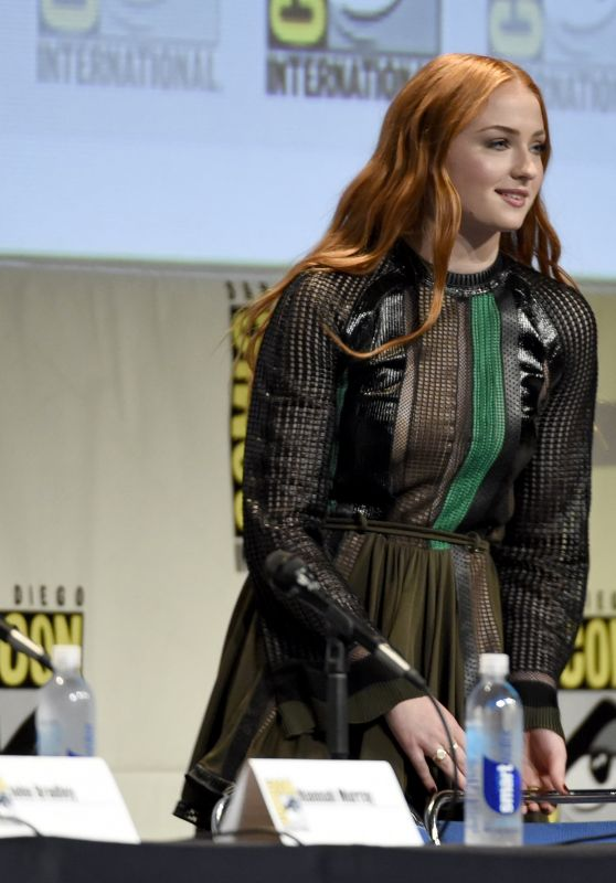 sophie-turner-game-of-thrones-panel-2015-comic-con-in-san-diego