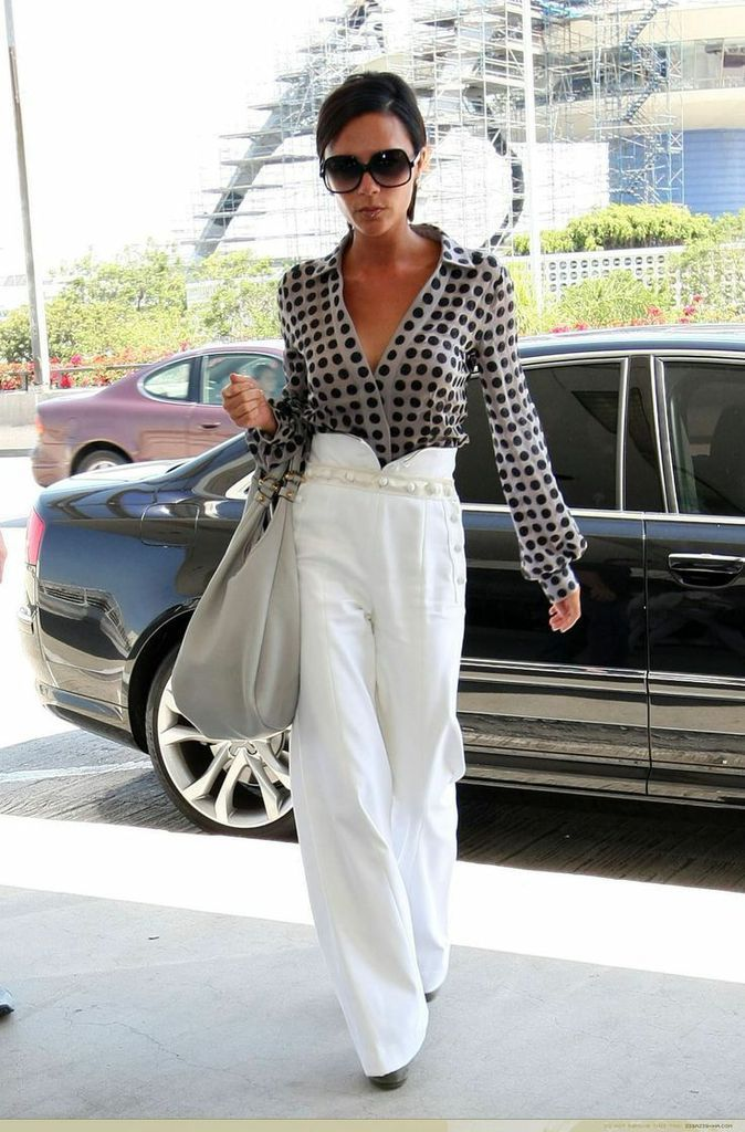 LOOK OF THE DAY  : VICTORIA BECKHAM