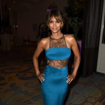 1-Halle-Berrys-Hollywood-Foreign-Press-Associations-Annual-Grants-Banquet-Noam-Hanoch-Teal-Lace-Inset-Sheath-Dress