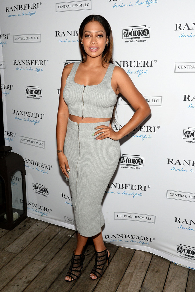 1-Lala-Anthony-s-Ranbeeri-Denim-Launch-Party-T-by-Alexander-Wang-Ribbed-Zip-Gray-Crop-Top-and-Matching-Pencil-Skirt
