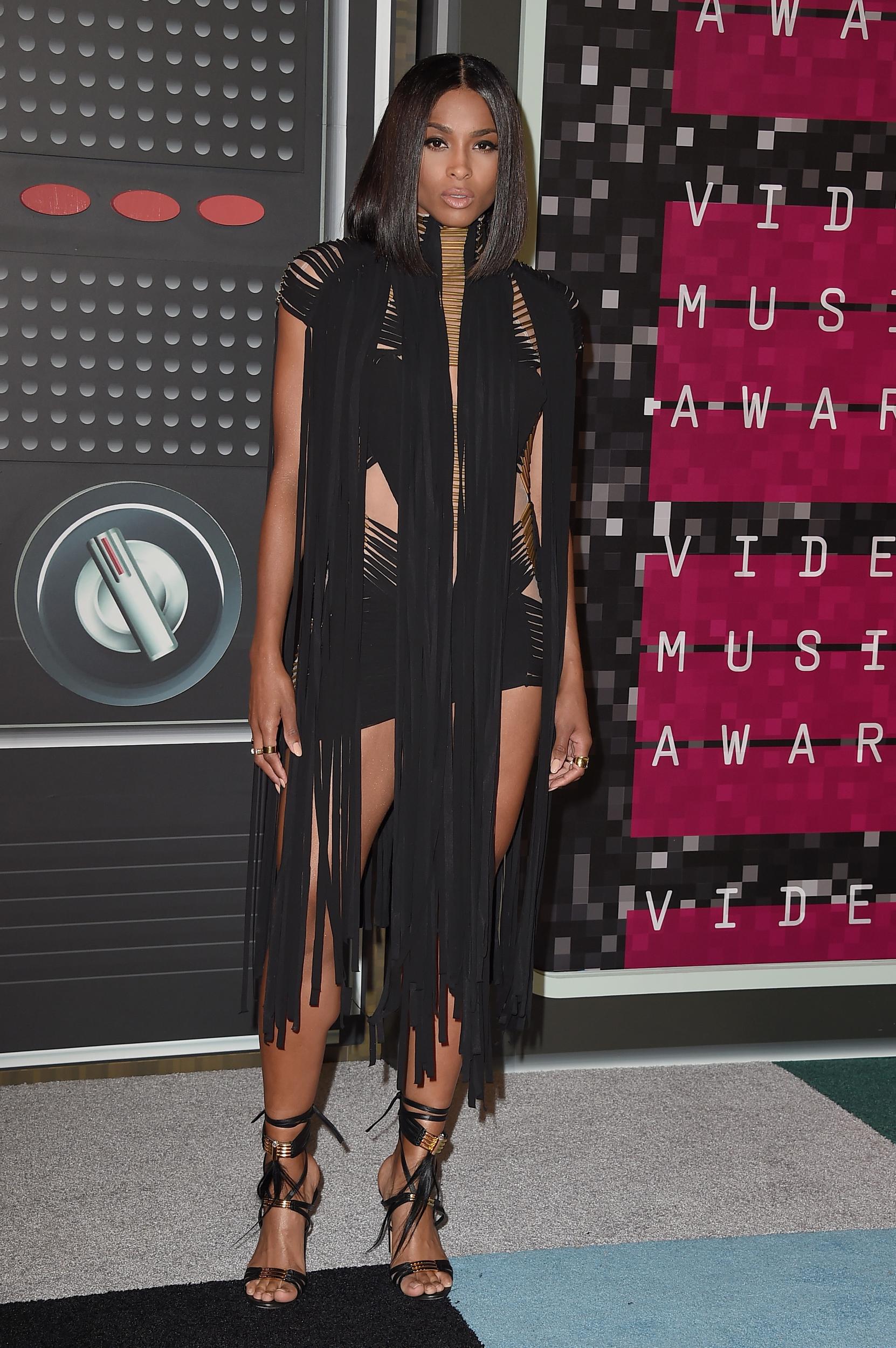 2015-mtv-video-music-awards-arrivals-1