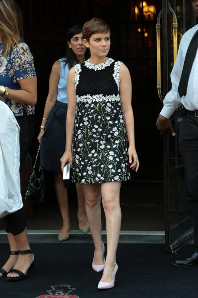 Kate -Mara -in -Giambattista -Valli - Live! -With- Kelly -Michael