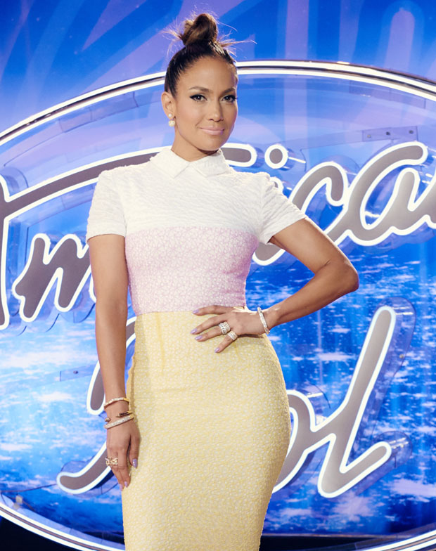 jennifer-lopez-in-alex-perry-at-the-american-idol-little-rock-arkansas-auditions