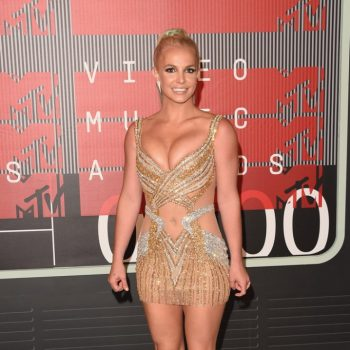 Britney-Spears-2015-MTV-Video-Music-Awards-02-662×997