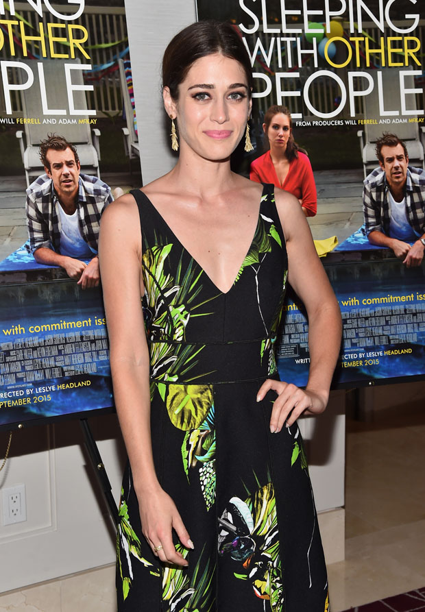 lizzy-caplan-in-proenza-schouler-sleeping-with-other-people-la-screening