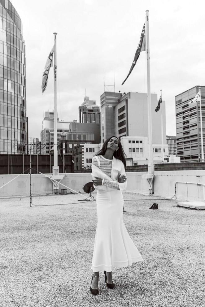 Joan-Smalls--Harpers-Bazaar-Australia-2015--07-662x992