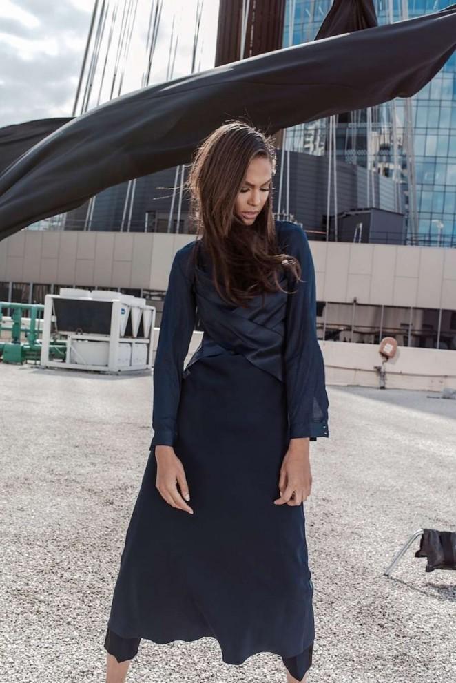 Joan-Smalls--Harpers-Bazaar-Australia-2015--10-662x992