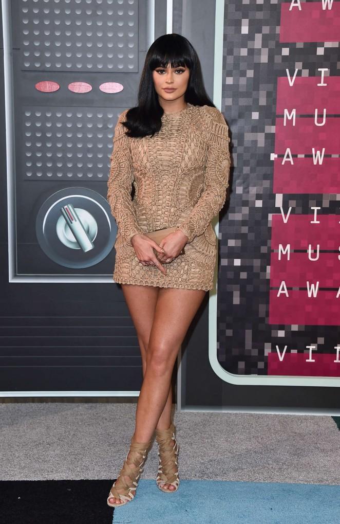 Kylie-Jenner-in- balmain-2015-MTV-Video-Music-Awards-9