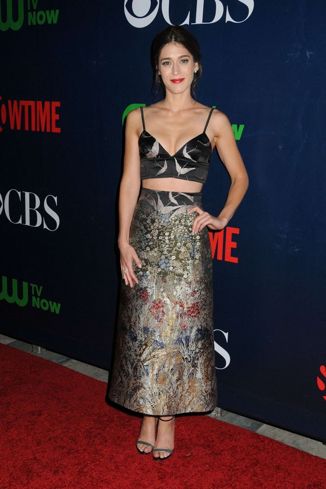 \lizzy-caplan-in-valentino-cbs-2015-summer-tca-party
