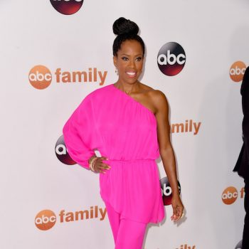 Regina-King-was-pretty-in-pink-at-the-Disney-ABC-Television-Group-2015-TCA