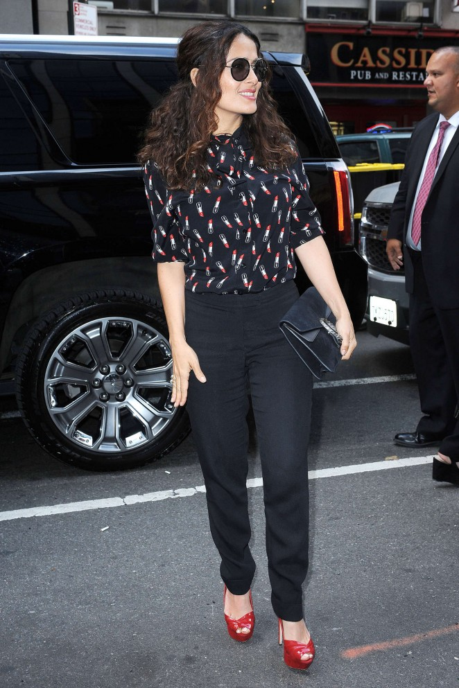 Salma-Hayek-out-in-NYC-20-662×993