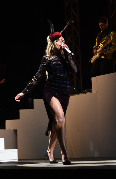 paloma-faith-in-emilio-de-la-morena-performing-at-the-v-festival-day-2