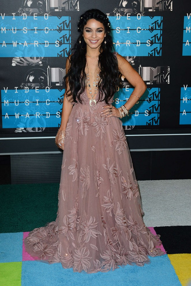Vanessa-Hudgens--naeem-khan-2015-MTV-Video-Music-Awards--