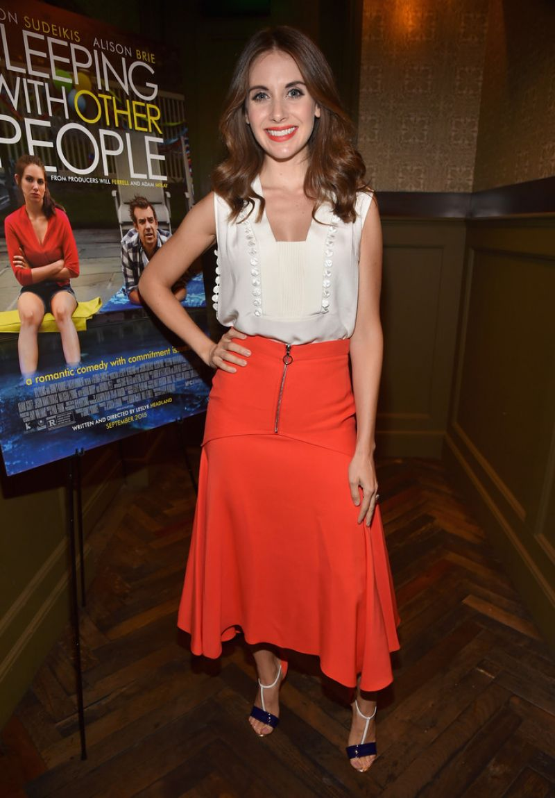 alison-brie-showed-at-the-tastemaker-screening-of-ifc-films-sleeping-with-other-people-in-los-angeles_3