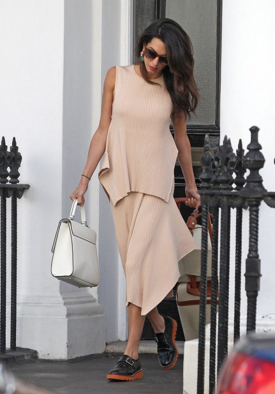 amal-clooney-in-stella-mccartney-out-in-london