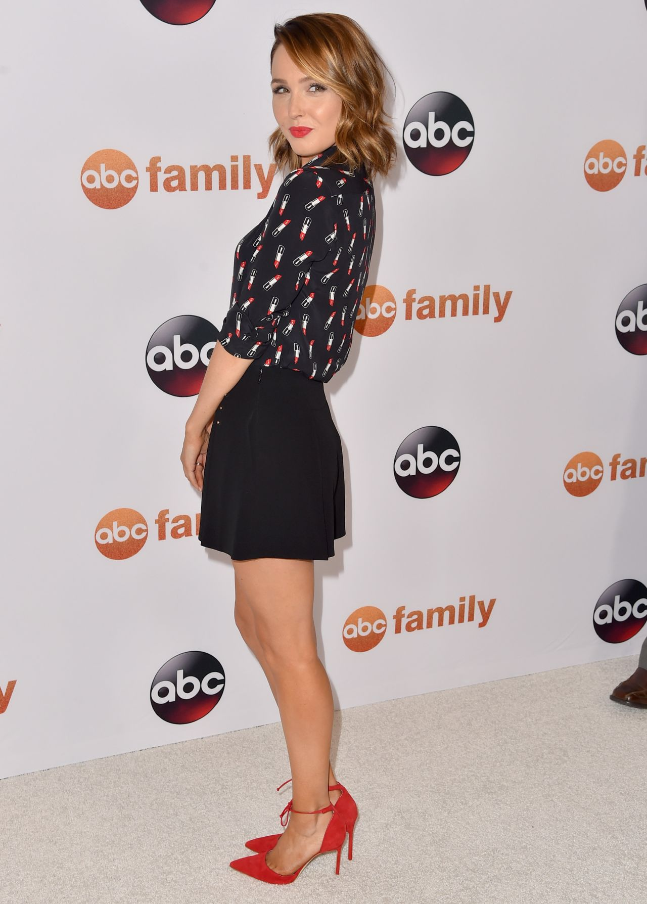 camilla-luddington-disney-abc-2015-summer-tca-press-tour-photo-call-in-beverly-hills_1