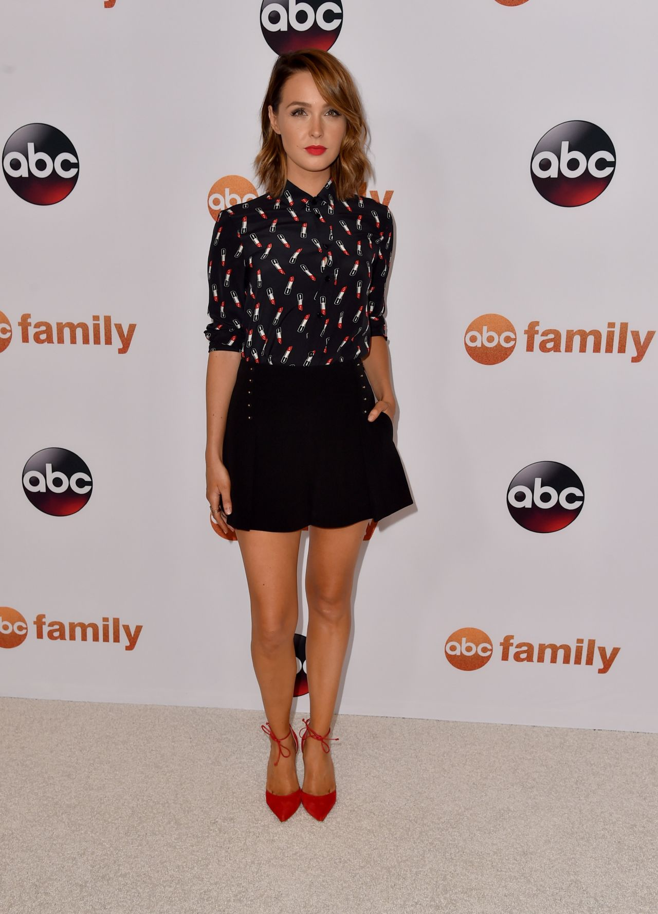 camilla-luddington-disney-abc-2015-summer-tca-press-tour-photo-call-in-beverly-hills_2
