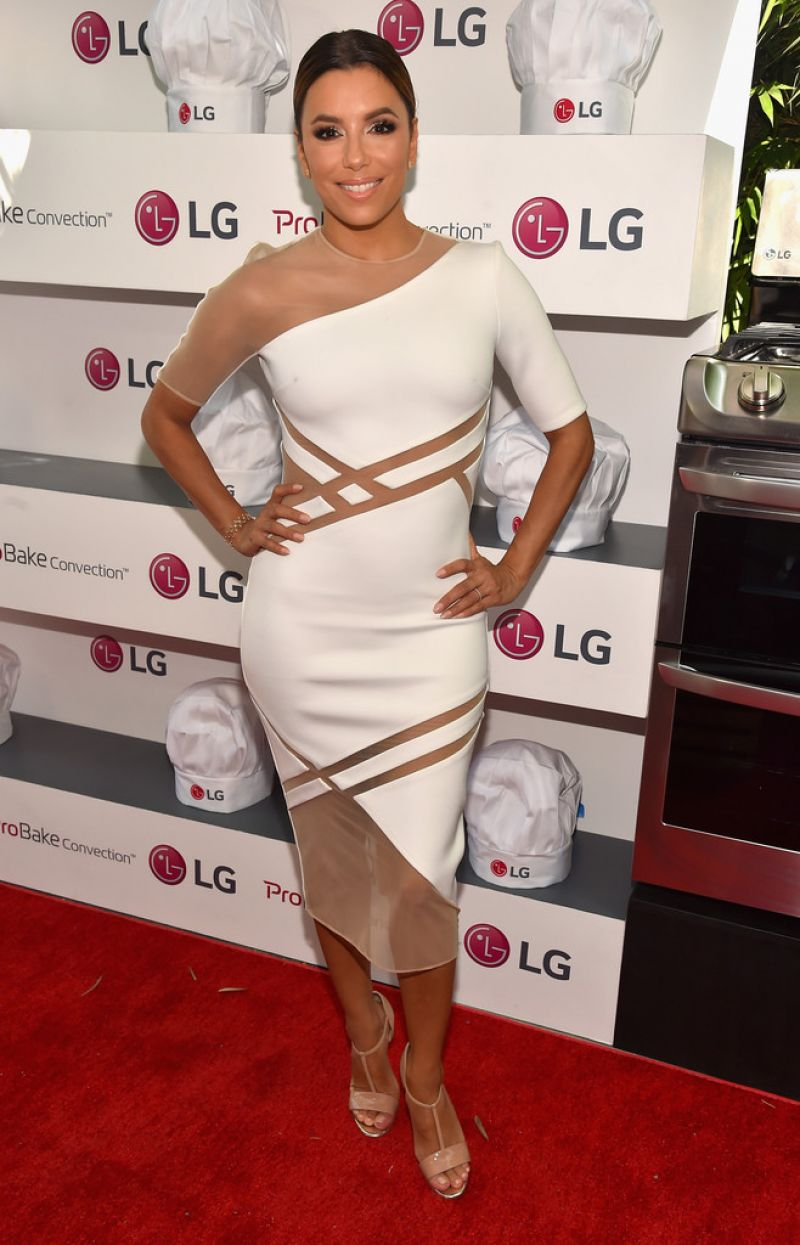 eva-longoria-lg-electronics-lg-fam-to-table-series-in-culver-city-august-2015_1