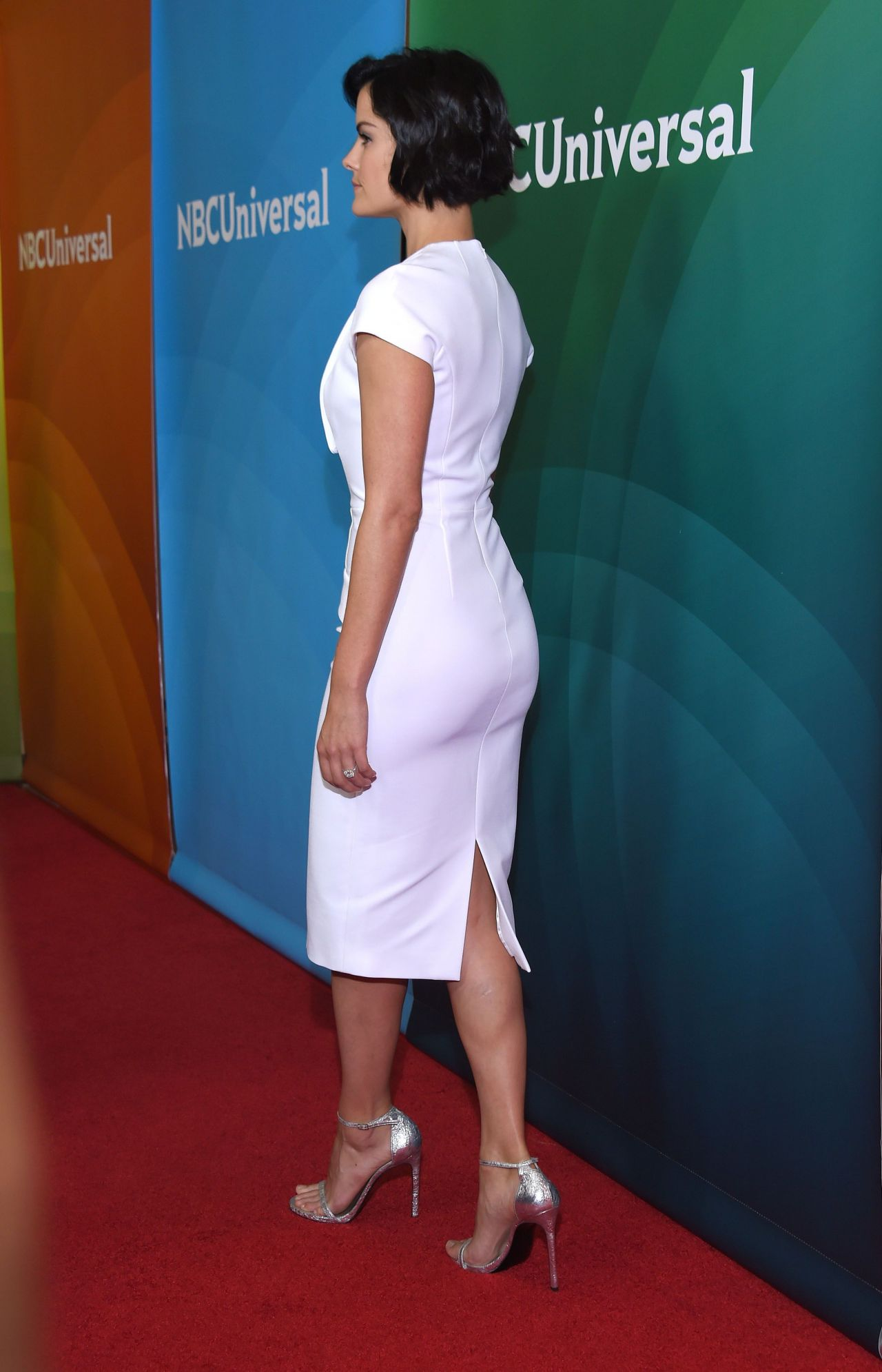\jaimie-alexander-in-cushnie-et-ochs-nbcuniversal-press-tour-2015