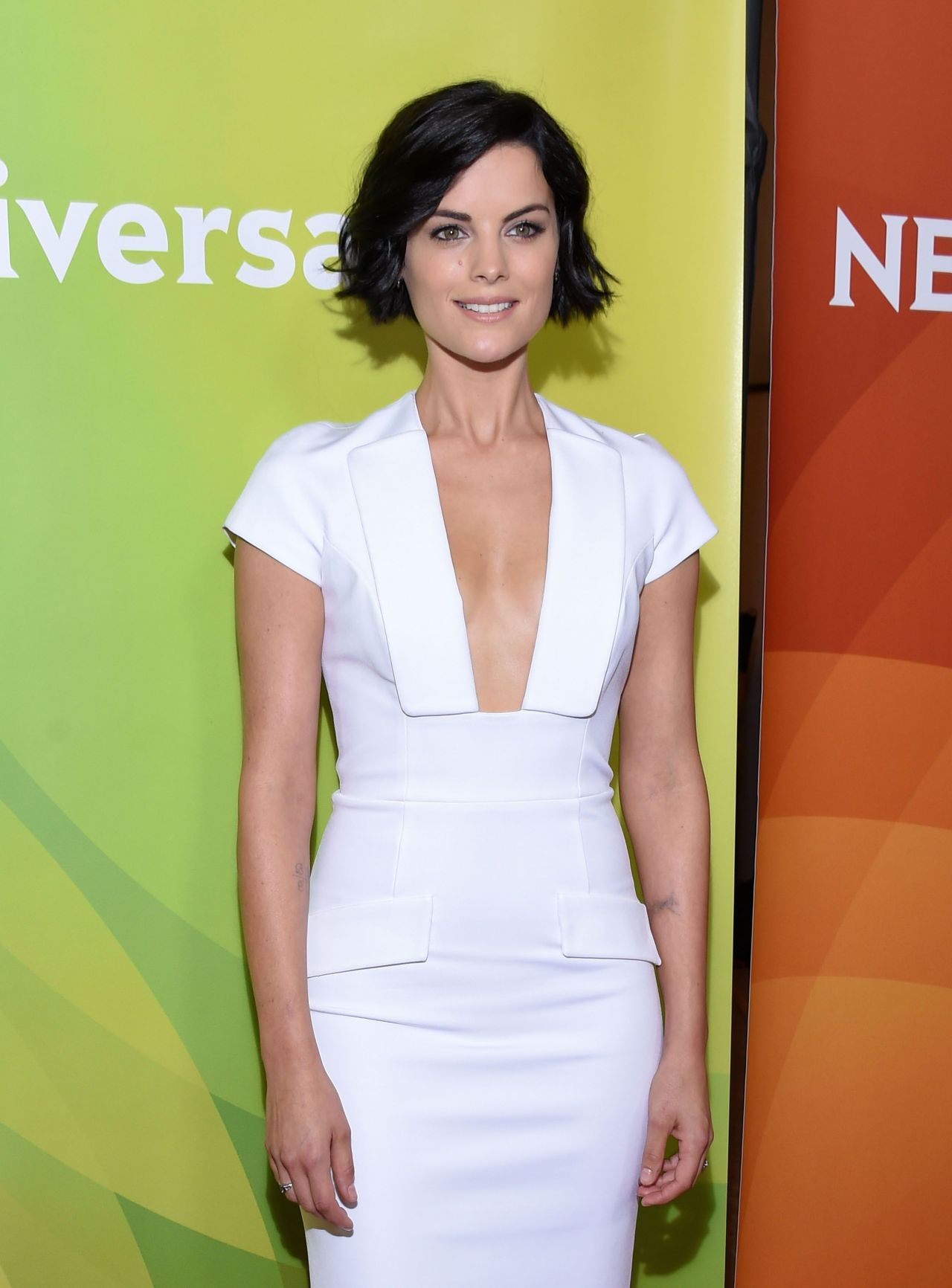 jaimie-alexander-in-cushnie-et-ochs-nbcuniversal-press-tour-2015