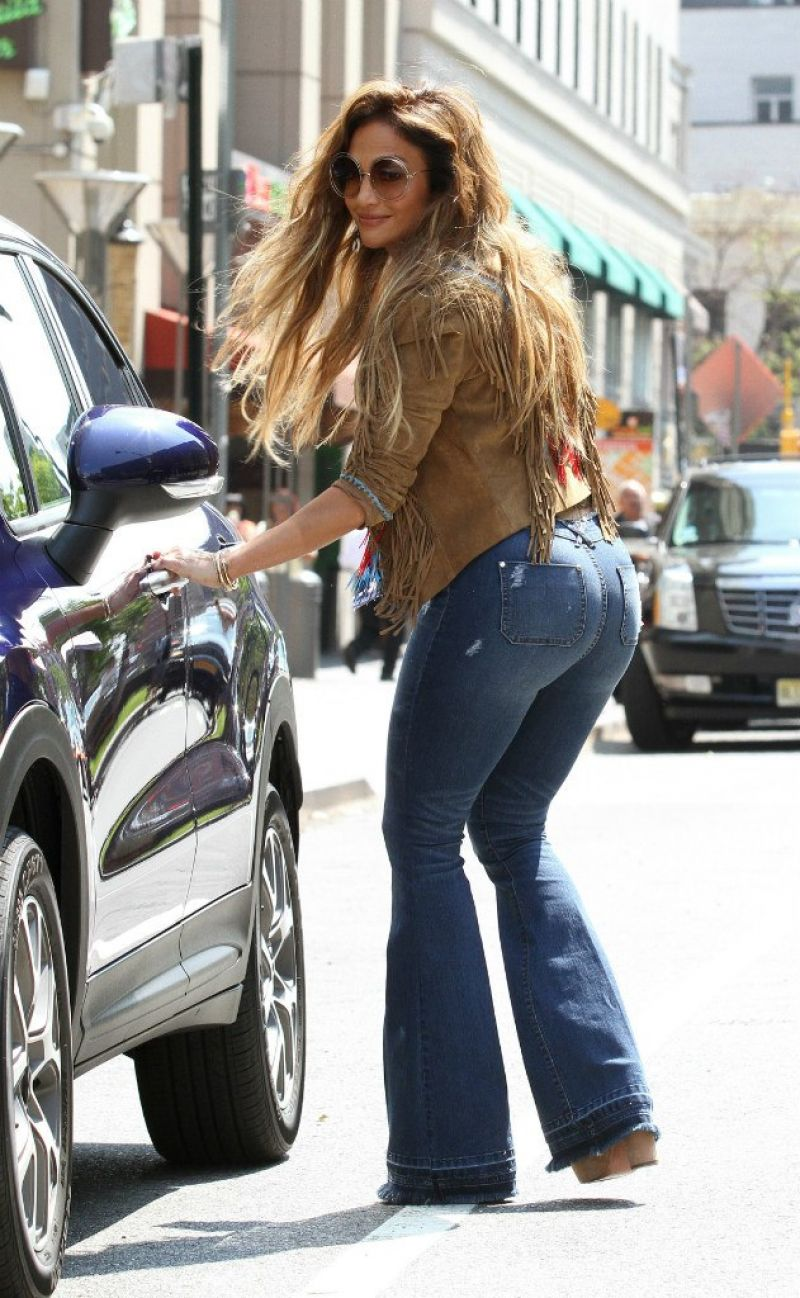 jennifer-lopez-filming-new-music-video-for-el-mismo-sol-