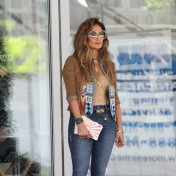 jennifer-lopez-filming-new-music-video-for-el-mismo-sol-_4