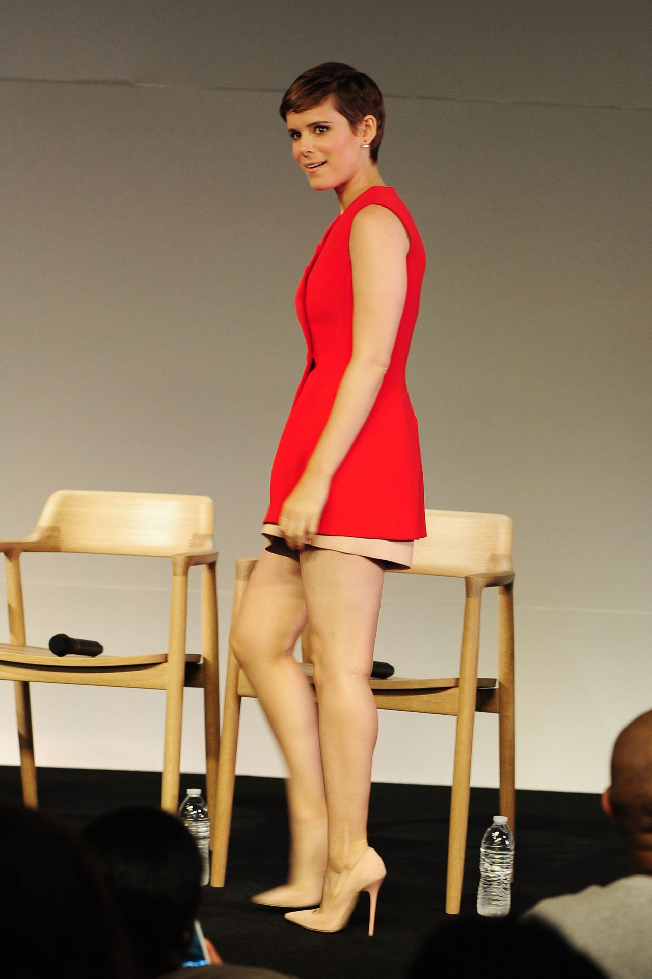 kate-mara-apple-store-meet-the-actors-fantastic-four-in-new-york-city_4
