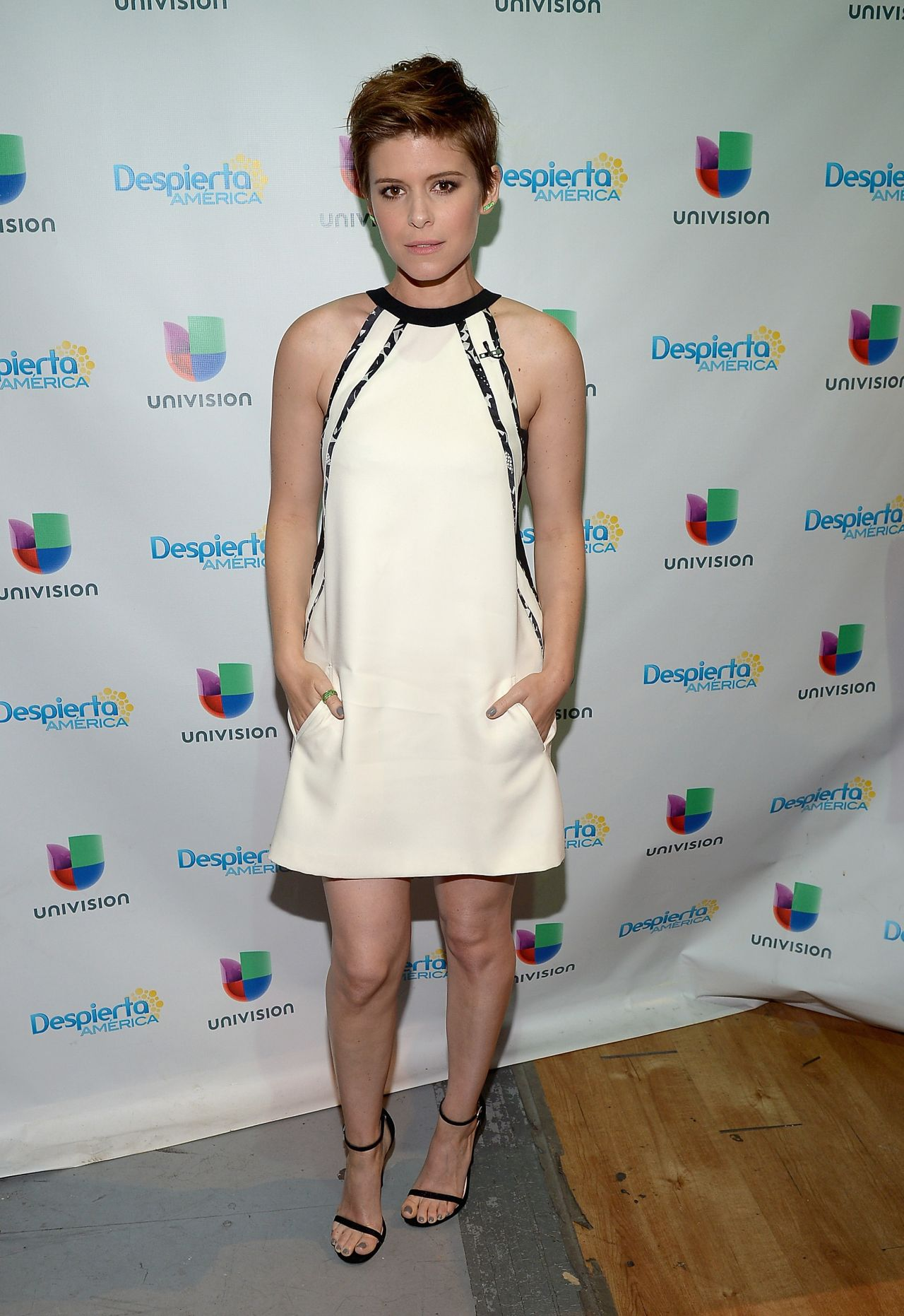 kate-mara-despierta-america-in-miami-july-2015_