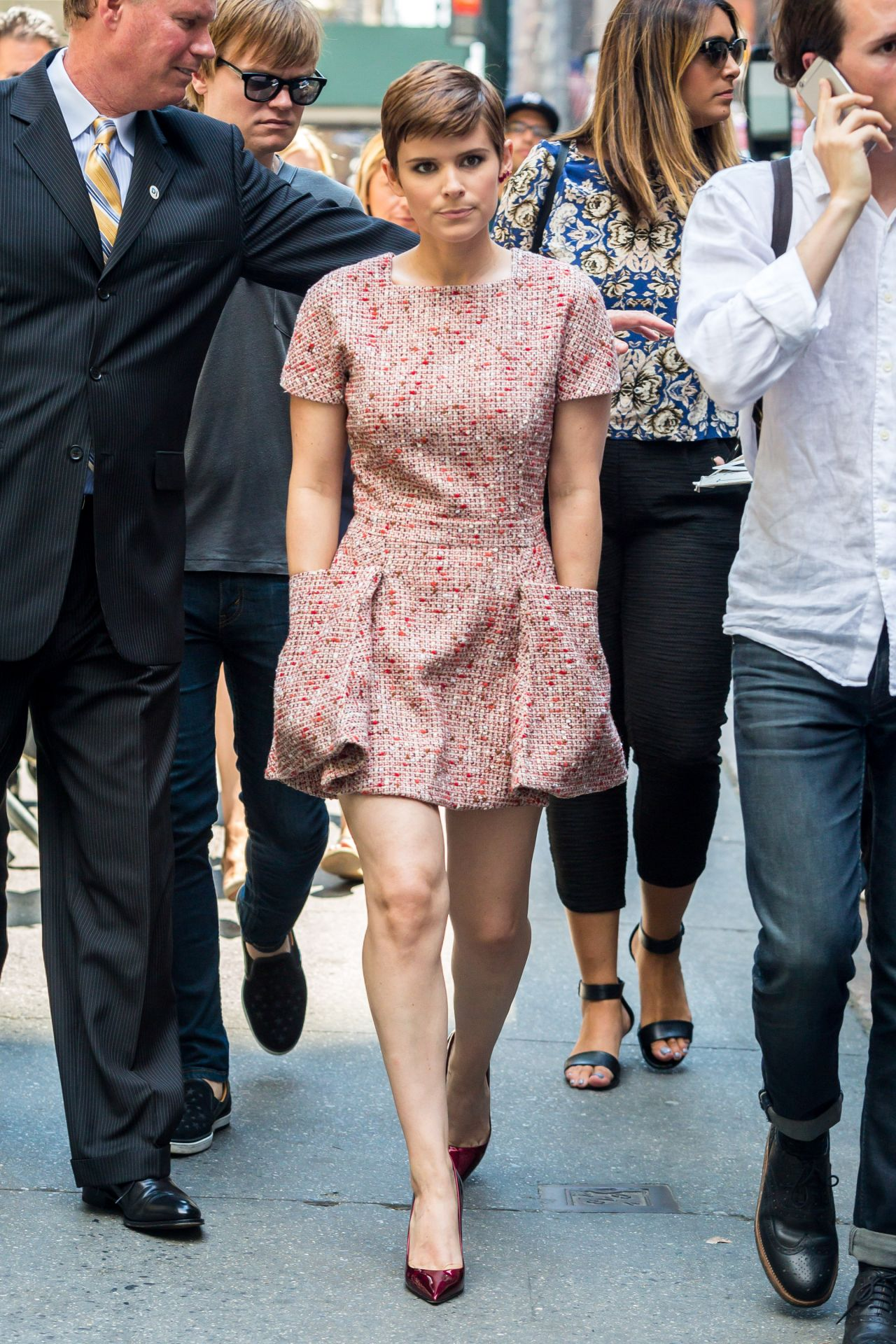 kate-mara-style-out-in-new-york-city-august-2015_1