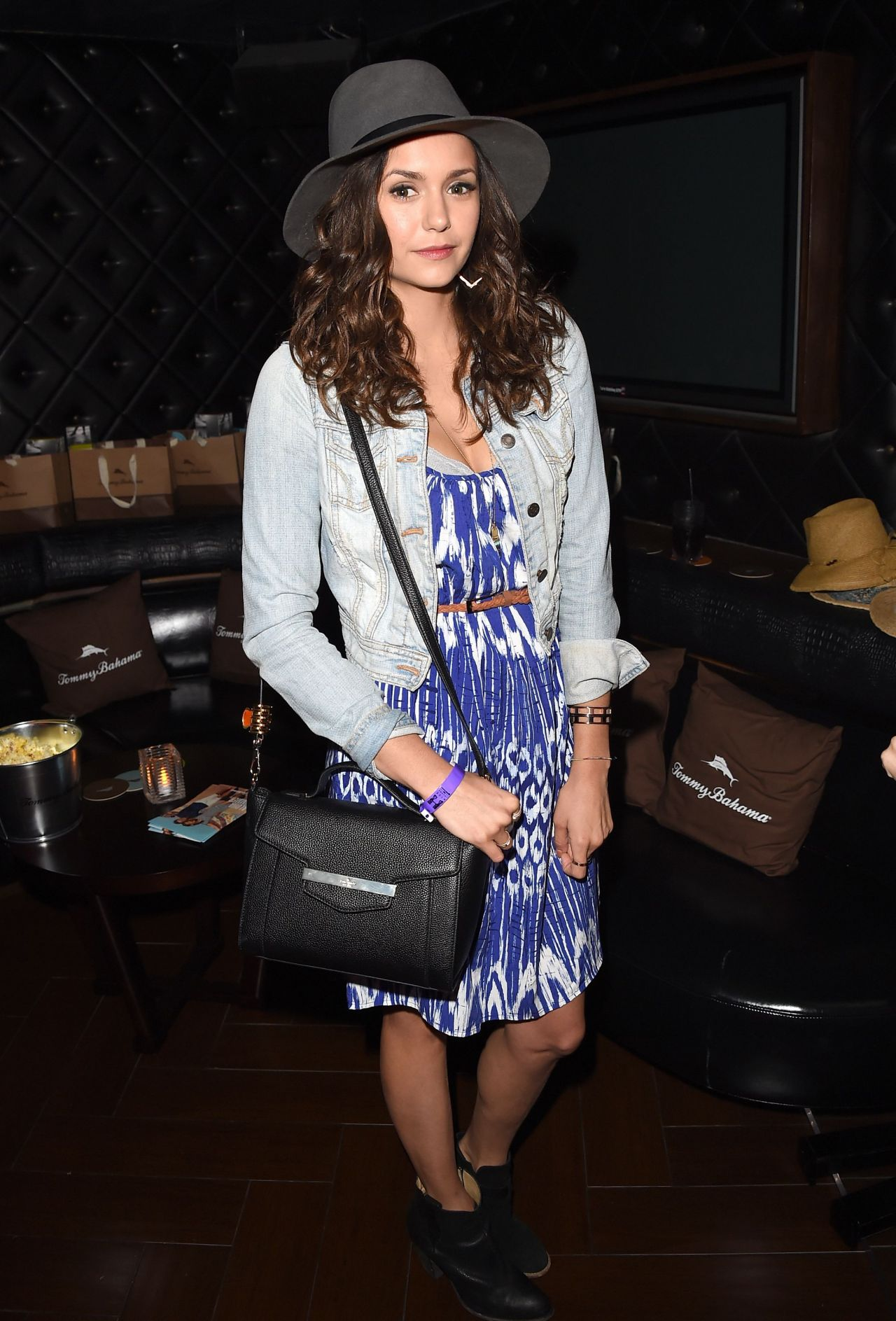nina-dobrev-at-the-taylor-swift-concert-in-los-angeles-august-2015_1