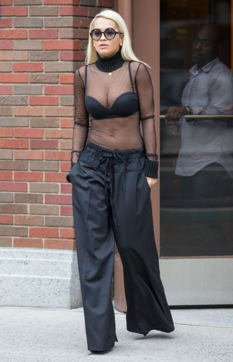 rita-ora-in-vera-wang--out-in-new-york-august-2015_