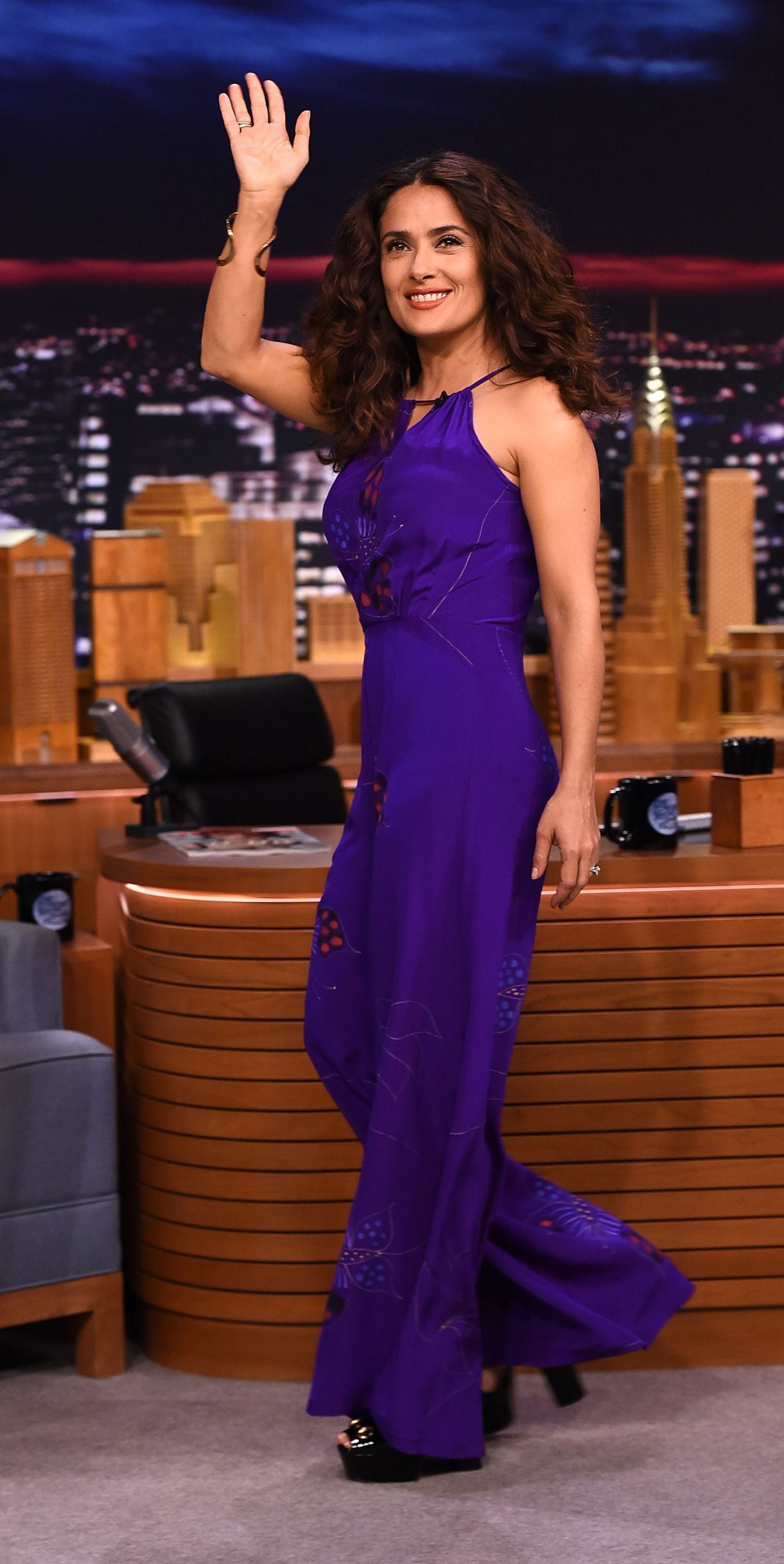 salma-hayek-in-soler-the-tonight-show-starring-jimmy-fallon