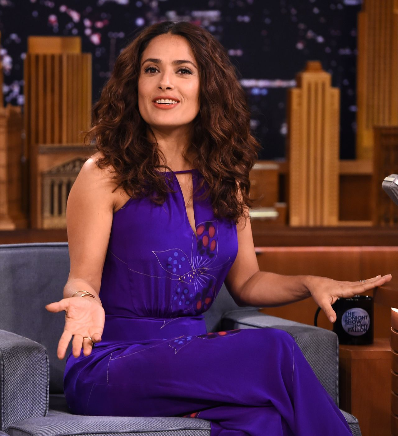 salma-hayek-the-tonight-show-with-jimmy-fallon-august-2015_6