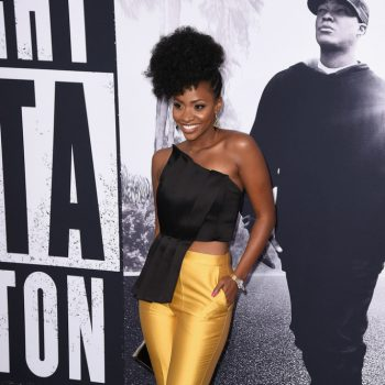 teyonah-parris-CMEO-Collective-Pants-John-Paul-Ataker-New-York-Shoes-Kenneth-Cole-Premiere-Straight-Outta-Compton-Arrivals-5NvroXY_b0Zx-666×1000
