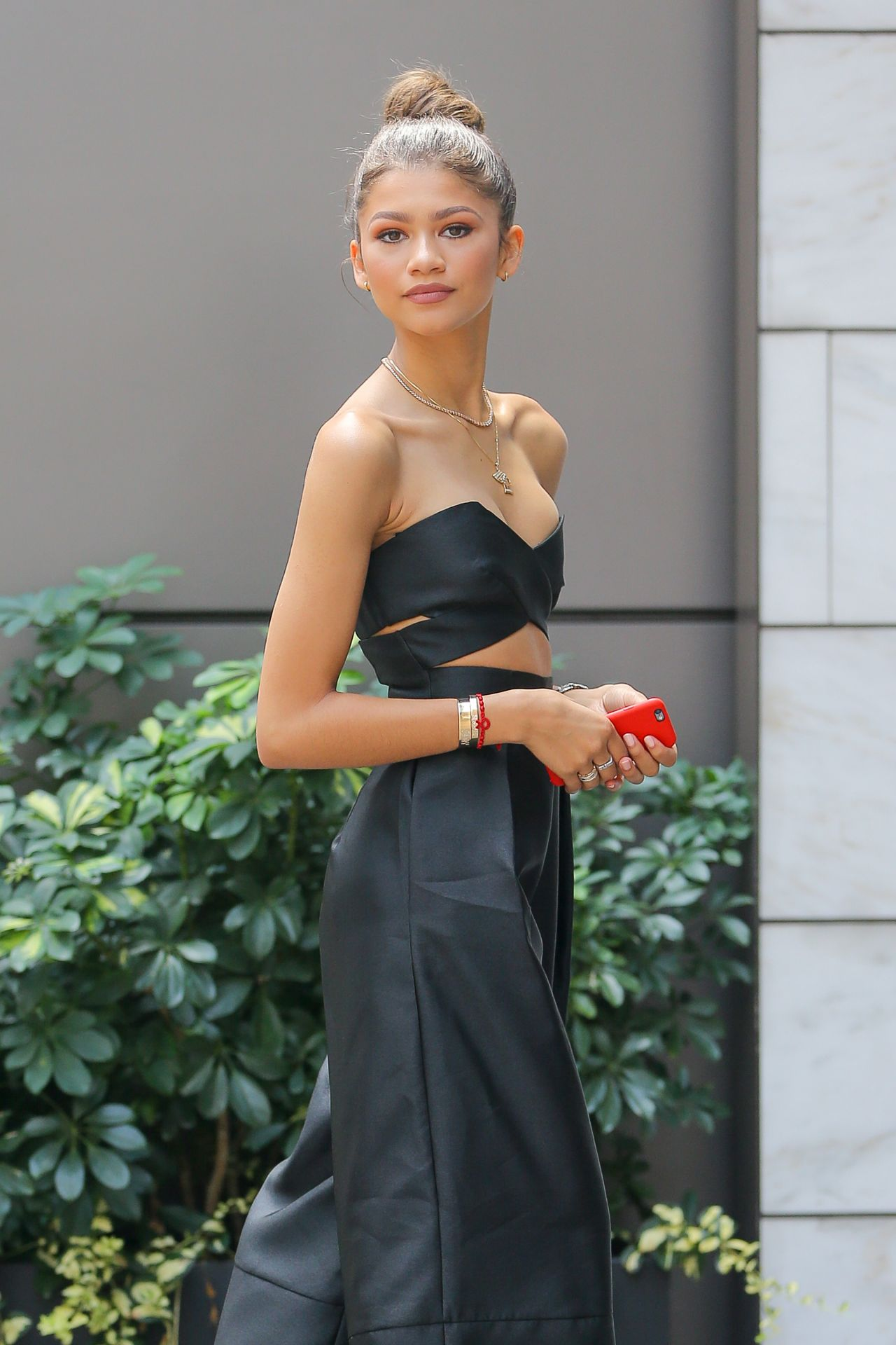 zendaya-coleman-in-solace-london-out-in-new-york-city