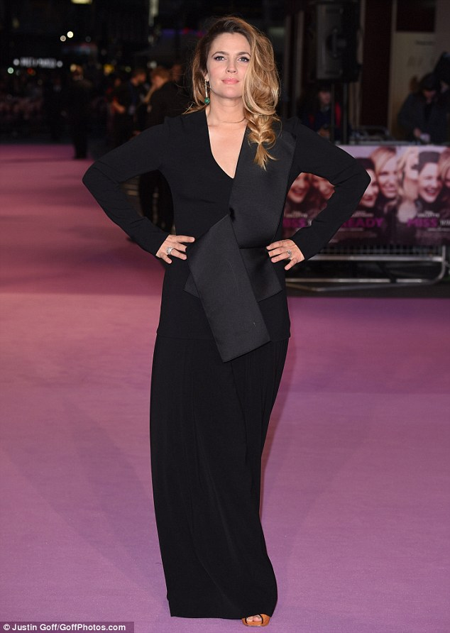 drew-barrymore-in-stella-mccartney-miss-you-already-london-premiere