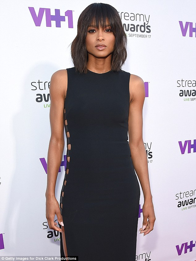 ciara-in-david-koma-at-the-5th-annual-streamy-awards