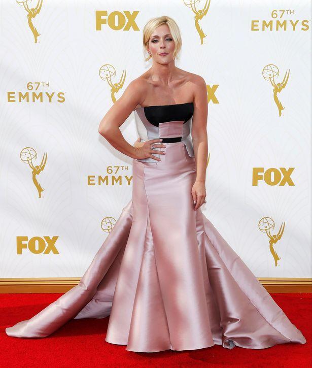 Actress-Jane-Krakowski-arrives-at-the-67th-Primetime-Emmy-Awards-in-Los-Angeles-California-September-20-2015