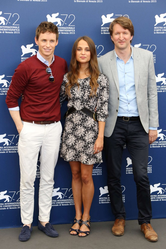 Alicia-Vikander--The-Danish-Girl-Photocall--