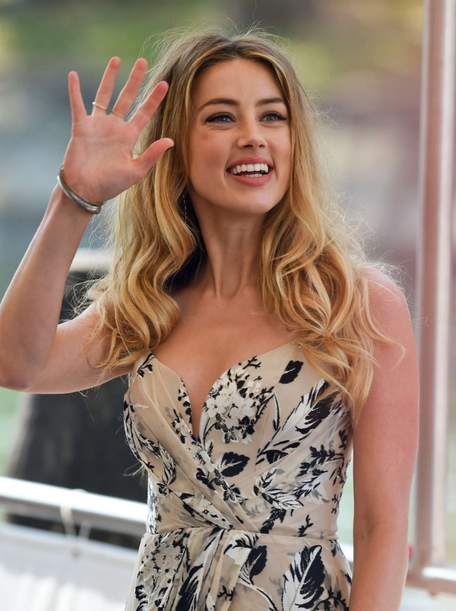 Amber-Heard--Photocall-at-72nd-Venice-Film-Festival-
