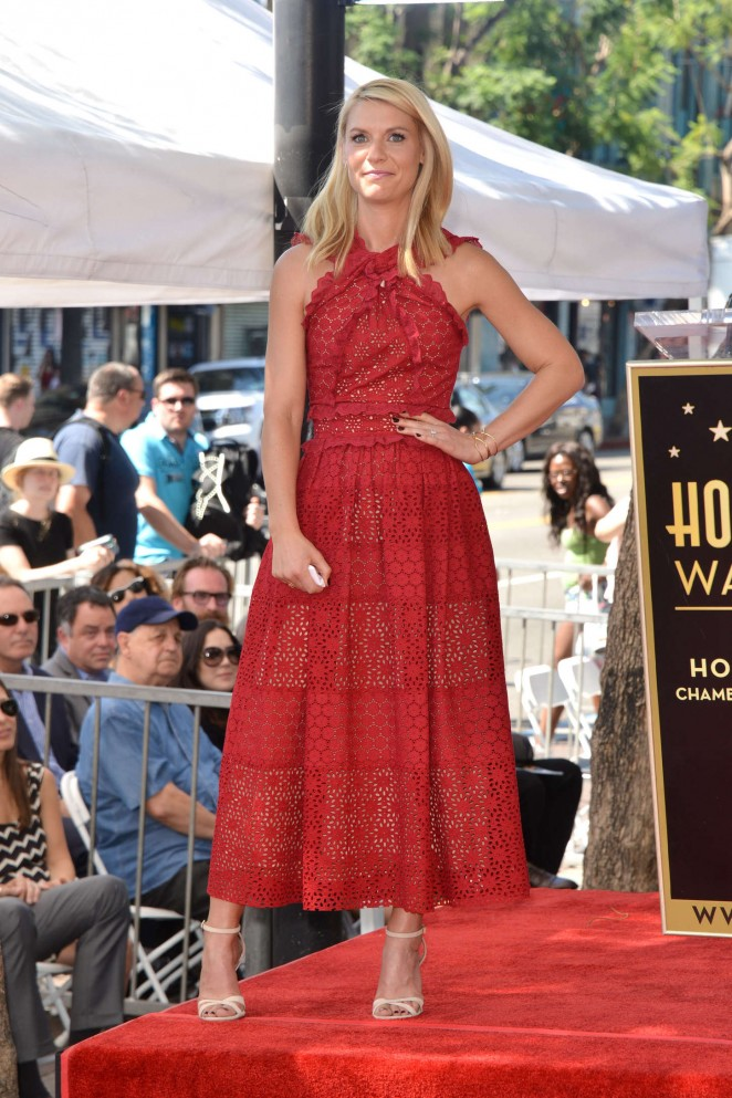 Claire-Danes--Honored-with-a-star-on-the-Hollywood-Walk-of-Fame--