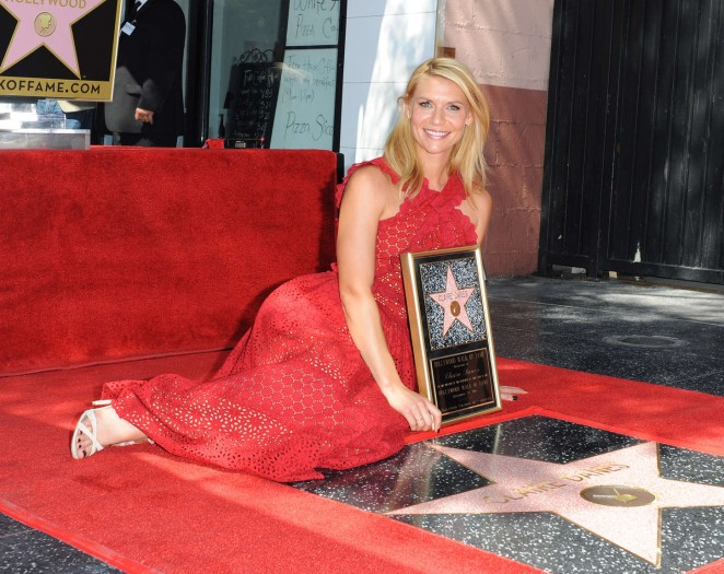 Claire-Danes--Honored-with-a-star-on-the-Hollywood-Walk-of-Fame-