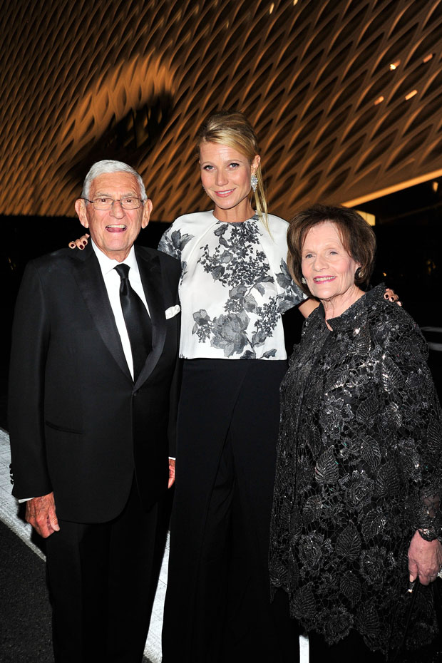 gwyneth-paltrow-in-monique-lhuillier-the-broad-museum-black-tie-inaugural-dinner