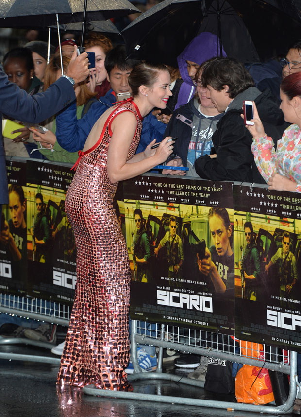 Emily-Blunt-Sicario-Premiere-London-JR-92115
