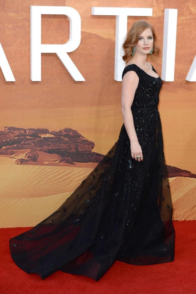 Jessica-Chastain--The-Martian-UK-Premiere--29-662x994