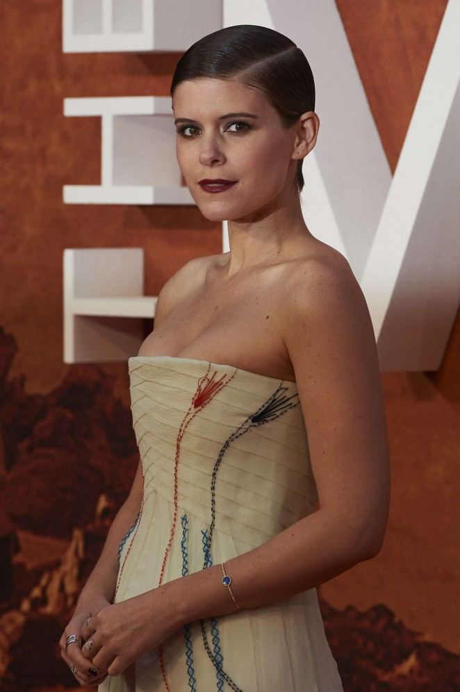 Kate Mara In Christian Dior Couture At The Martian London Premiere Fashionsizzle