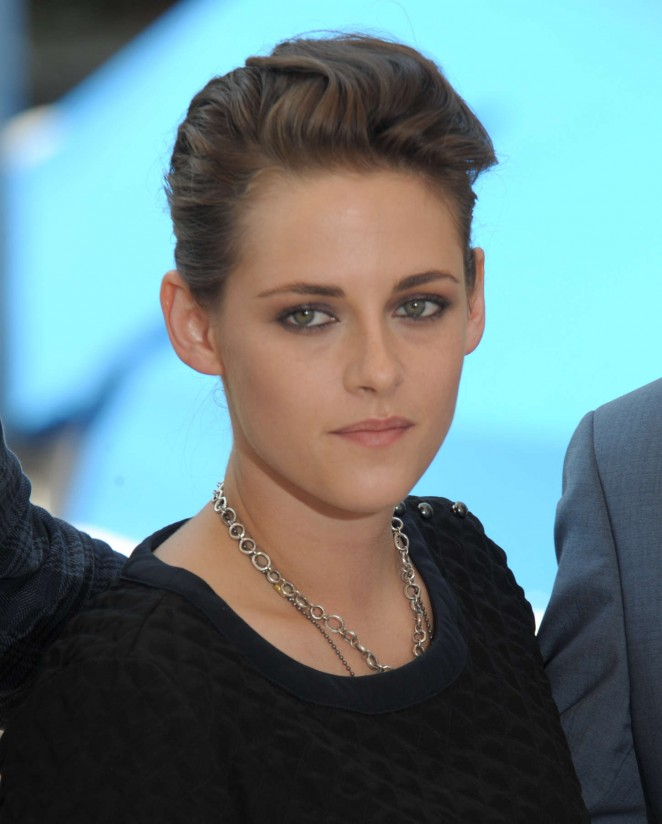 Kristen-Stewart--Equals-Photocall-