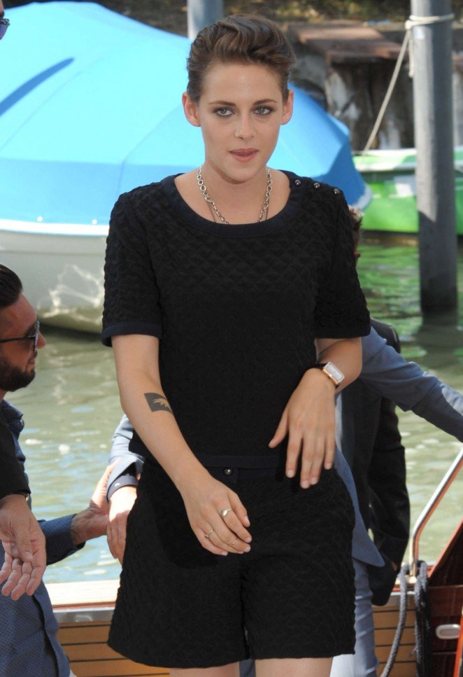 Kristen Stewart In Chanel Equals Venice Film Festival Photocall Fashionsizzle
