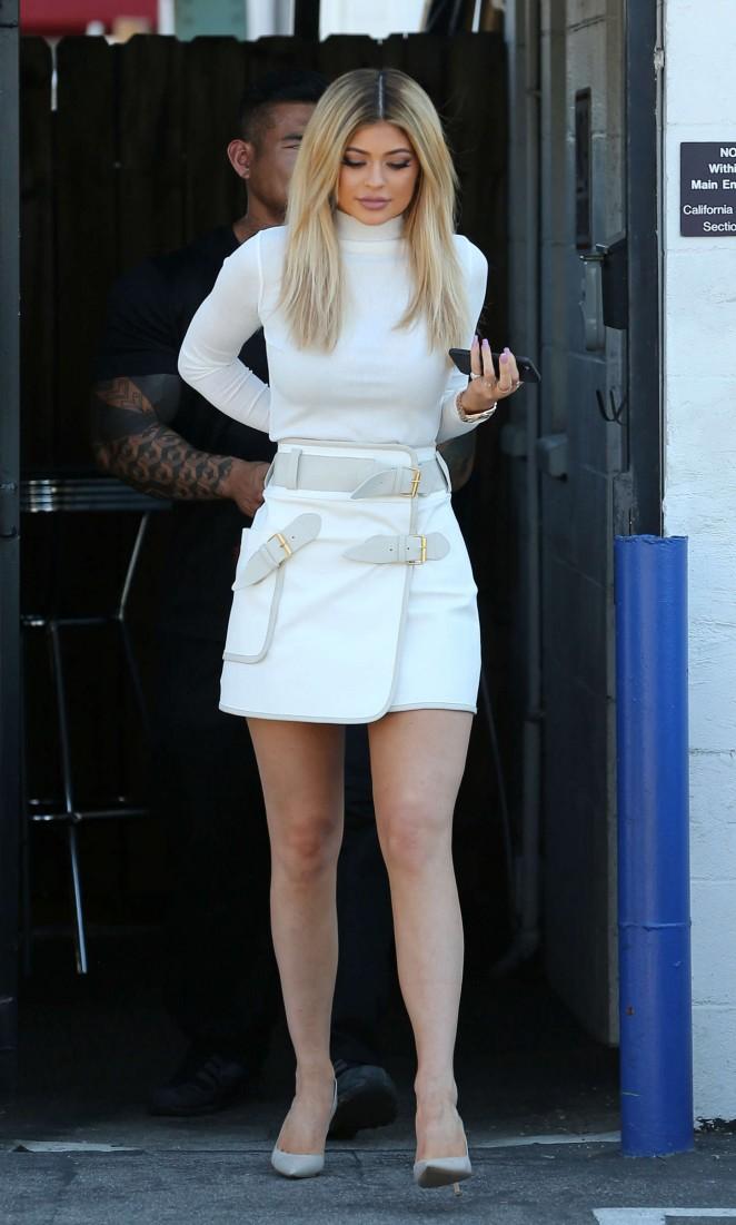 Kylie-Jenner-in-derek-lam -leaving-studio-in-la