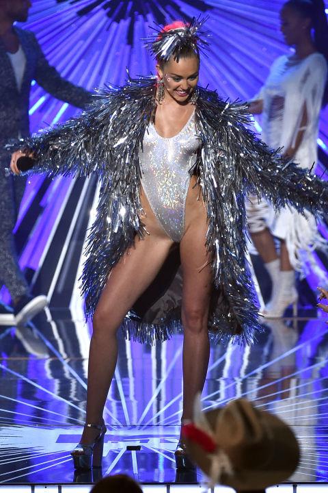 Miley-Cyrus-VMA-4